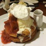 cafe & books bibliotheque 梅田店  イチゴのパンケーキ。おいしかったです。お腹いっぱいです。