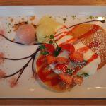 桜と苺のパンケーキ