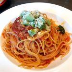 アボカドとトマト、バジリコのスパゲッティ