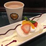イシヤカフェ  白いロールケーキ♪      モーニングでも、こちらやプレーンのホットケーキは食べれます。
