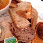 アンデルセンランチのパン3種類。