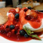 イシヤカフェ ☆ベリーのホットケーキ☆ リニューアルしたホットケーキです。