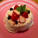 ANGIE2周年記念 数量限定メニューのマカダミアナッツパンケーキ♡甘いクリームとパンケーキの塩加減のバランスが絶妙だった!