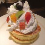 RAINBOW PANCAKE 課題だったこちらの店でフルーツパンケーキ(^.^)