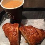 ブルディガラ・エクスプレス 東京   コーヒーとクロワッサン   ビゴと食べ比べと思ったがビゴに軍配!