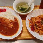 桜ヶ丘公園に行く前にロビンで腹ごしらえ。ハヤシライスセット。トマト感あふれるハヤシライスと、懐かしい感じのスパゲティ。そしてなぜか中華スープのセット。