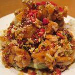 「油淋鶏」外はサクッと香ばしく、中はフワッと柔らかい鶏。にんにくの旨みを活かした甘酸っぱい油淋ソースだから、唐辛子の辛味も心地良し♪ 東中野・福建家庭料理 旬の香