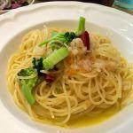 海老とブロッコリーのペペロンチーノ。海老はラグーっぽくしてある。美味しい。 (@ J.H.V.)