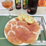 イタリアフェア @ 小田急百貨店町田店のイートインにて。熟成24ヶ月生ハム盛り合わせに、トルクラリア ローザ。久々のワイン美味しかった( ´ ▽ ` ) ◇ Luccollina