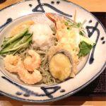今日のランチは越後長岡 小嶋屋 伊勢丹府中店で冷やしぶっかけ海老蕎麦。旨いっ!