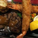 ハングリータイガー 横浜モアーズ店さんにて、ハンバーグとエビフライのセット。美味かった〜〜(^^)