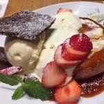 DAVID MYERS CAFE 銀座三越  国産苺とレアチーズクリームのパンケーキ。結構ボリュームがあるのでシェアで丁度いい感じ♪ご馳走様でした(∘❛ั⌔❛ั∘)♡