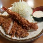 各定食に¥400プラスすれば、長さ12~3cmは有る海老フライを追加注文する事ができます♪とんかつ伊勢
