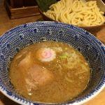 丸の内舎鈴でつけ麺中盛。麺が好みじゃなかった。魚介のスープもまあ普通。 #ramen