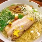 麺屋 ひょっとこ #ramen #ラーメン カウンター7席のお店ですがお昼前から長蛇の列!和風柚子柳麺を注文。スープがすごい。。料亭のお吸物のように上品で出汁が効いてます。感動!