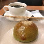 カスカード ゼスト御池店:抹茶あんぱんとコーヒー