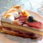 CASA 船橋西武デザート付きセットは約2000円。ケーキは甘すぎずいいかも!