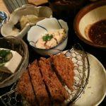 名代とんかつ かつくら 東戸塚店。一汁三菜膳。お肉の量ちょうどイイ(^^)