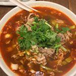 杜記 季節限定 水煮羊肉麺を食べてきました。見た目より辛くなくて、花椒の風味が爽やかな夏の麺でした🍜