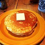Glorious Chain Cafe 表面はサクサクで、中はふんわり(^O^)メープルシロップとの相性がバツグンです(^O^)