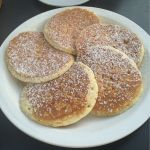エッグスンシングス 湘南江の島店マカダミアナッツのパンケーキ