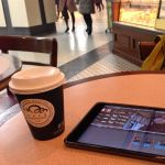青山一丁目 カフェ クロワッサン 新青山ビル店 でジンジャーレモネード。これ、えらいおいしいな。あったまるし甘いしすっぱいし。夕方、iPadminiで映像編集しながら飲んだよ。
