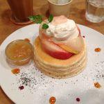 パンケーキママカフェ VoiVoi    今年の桃のパンケーキ!美味しいー!待ってました!