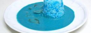 藤岡みなみさんもチャレンジ!真っ青さが眩しい「オホーツク流氷カリー」