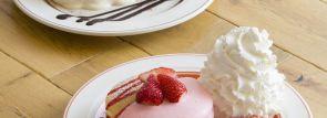 """エッグスンシングス上陸7周年記念『""""コナ""""ティラミスパンケーキ』 『ストロベリーチーズパンケーキ』"""