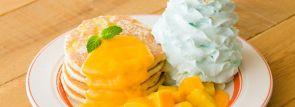 夏のフルーツたっぷり!エッグスンシングスの限定アニバーサリーパンケーキ