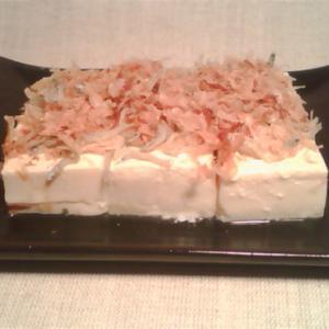 ゴマ油香る豆腐と、桜エビ、ジャコ、鰹節のコラボ◎