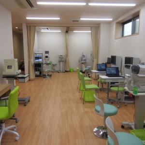 検査室(最新機械を豊富にそろえています)