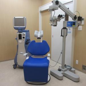 手術室(白内障をはじめ様々な日帰り手術をおこなっています))