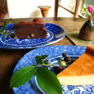 黒豆ガトーショコラとベイクドチーズケーキ