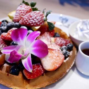 カフェカイラが日本初上陸!ハワイで大人気のフルーツたっぷりパンケーキのお店