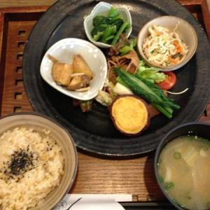 梅田でディナーにおすすめなカフェ