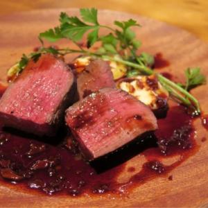 東京の旨い肉!ローストビーフ丼、カツサンド、肉寿司、熟成肉8選