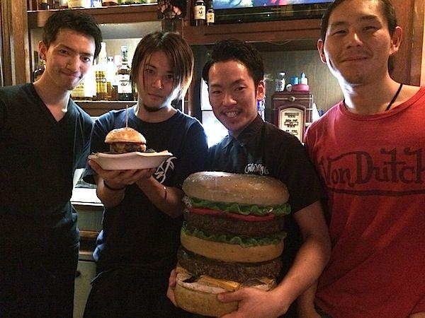 横浜市関内駅 FLASHBACK CAFE