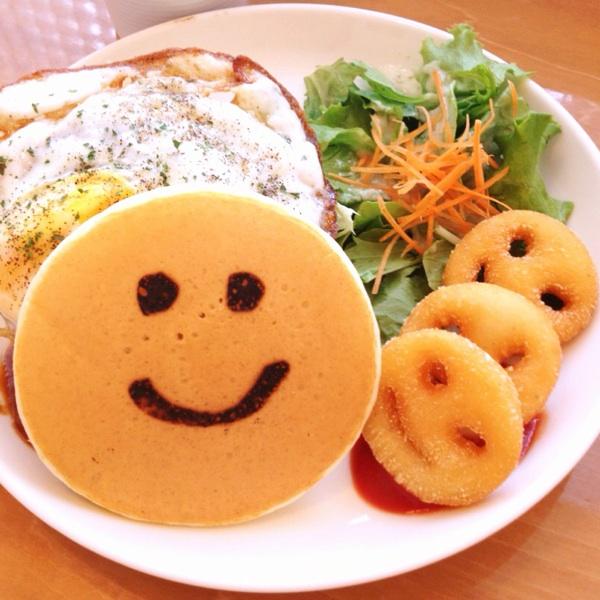 店内にお子様の笑顔があふれる!パンケーキデイズ 名古屋近鉄パッセ店