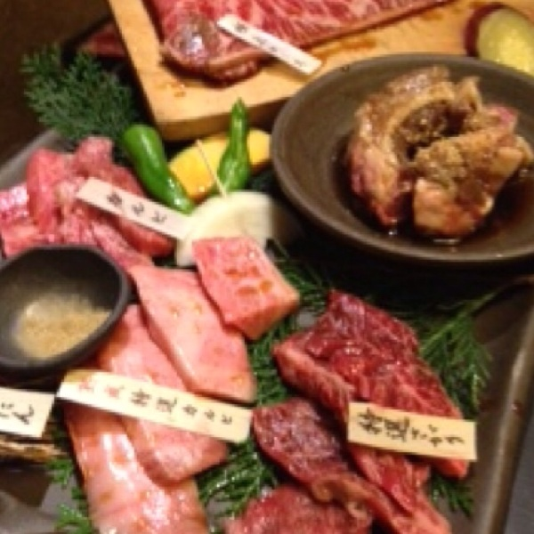 【但馬屋 東三国】日本初、骨付き丸ごと一頭45日以上熟成。