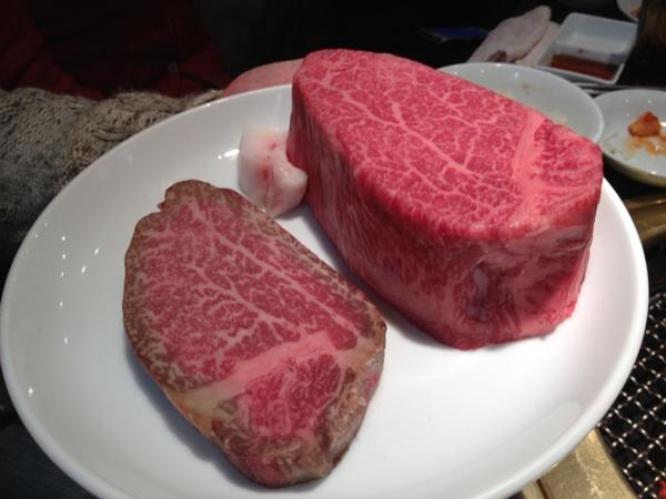 熟成肉を肉塊で豪快にいただく