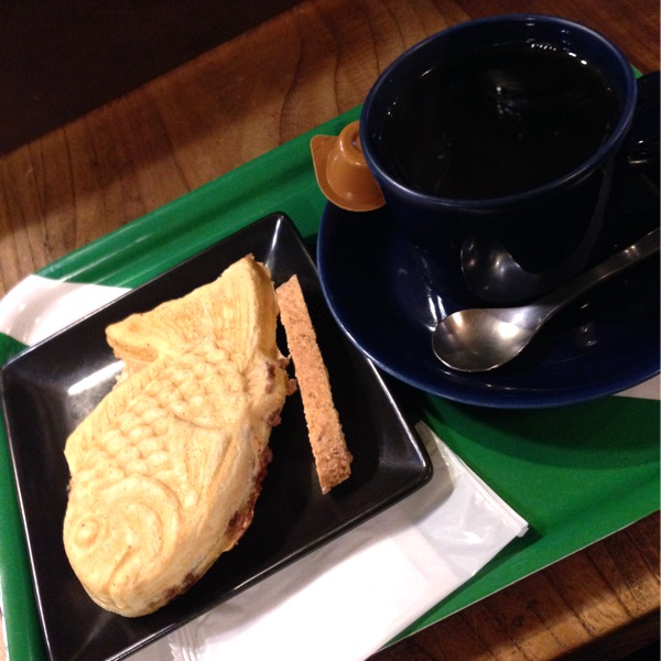 コーヒーとタイヤキのカラク