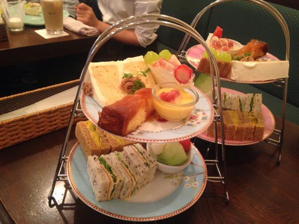 フルーツいっぱいのパフェが食べられる カフェ ド リオン