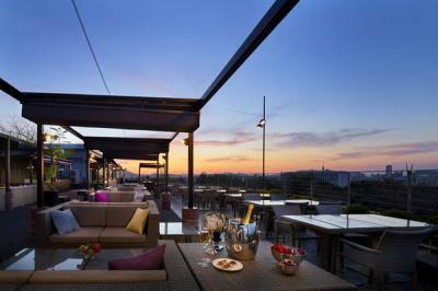 アゴーラ福岡山の上ホテル&スパ Cool & Luxury BEER GARDEN(クール&ラグジュアリー ビアガーデン)