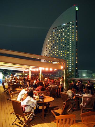 横浜みなとみらい 万葉倶楽部 横浜港を望む絶景ビアガーデン