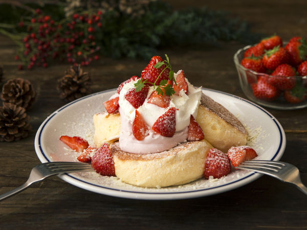 奇跡のパンケーキ ミルキーストロベリー 1,400円