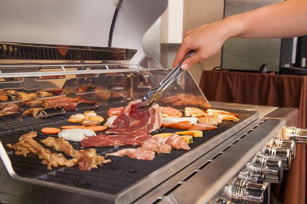 BBQの本場アメリカで人気の本格ガスコンロをVIPテラス席に設置