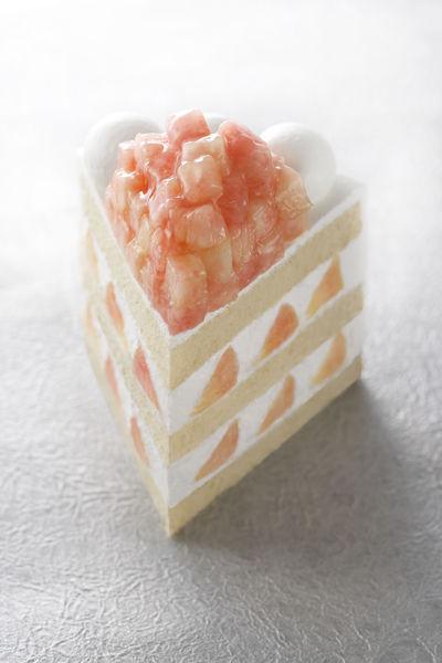 【パン&ケーキ パティスリーSATSUKI】エクストラスーパーピーチショートケーキ
