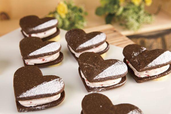 バレンタイン・ホワイトデーシーズンに「ハートのストロベリークッキー」