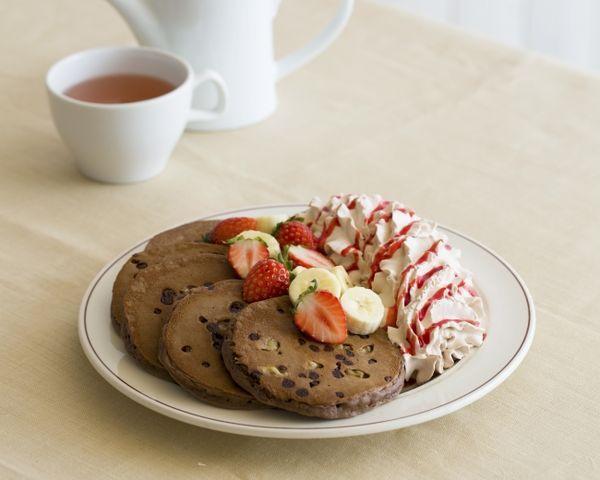 トリプルチョコレートブラウニーパンケーキ 1,650円 (税別)